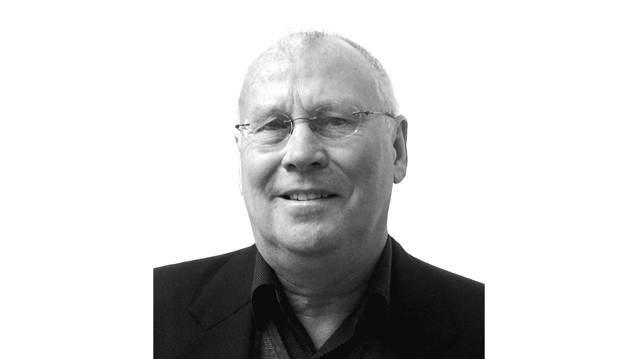 Dr Dave Bramwell